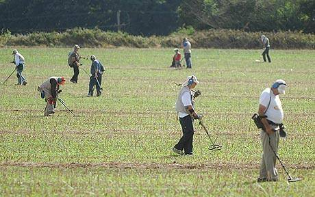 Metal Detecting Farmers Fields